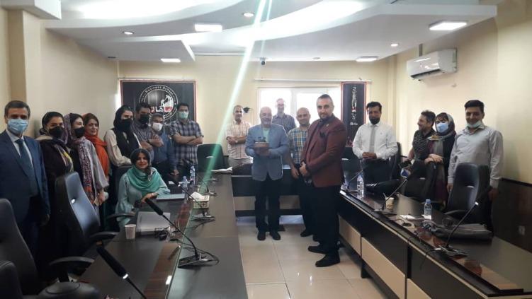 مهربانی دوستان دانشجو و همکاران عزیز در روز تولدم در خرداد ماه 1400